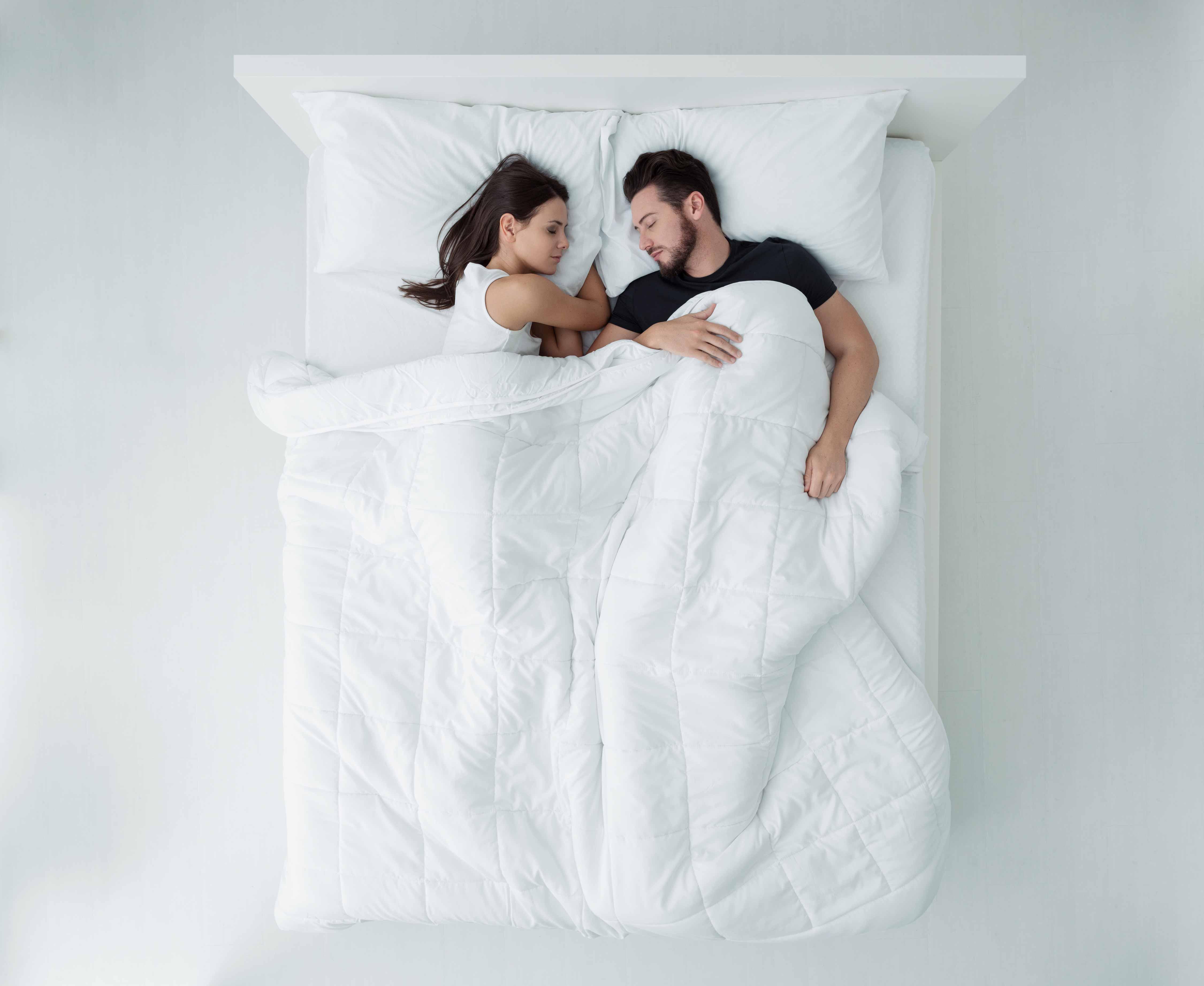 Quem precisa dormir mais: o homem ou a mulher?