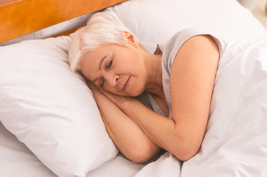 Pesquisa investiga a relação entre apneia do sono e imunização contra Covid-19 em idosos